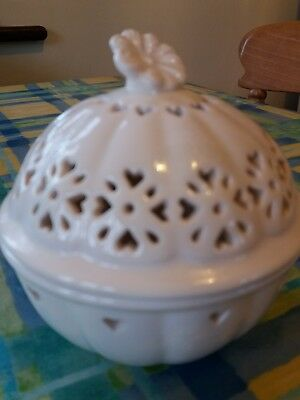 Laura Ashley aster creamware lidded potpourri pot
