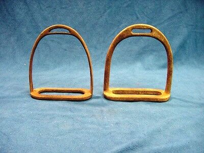 * Antique Pair of Wrought Iron Horse Stirrups Plain Hunting Cavalry