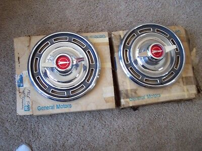 1966 66 Buick Skylark GS NOS GM wheel covers 981161