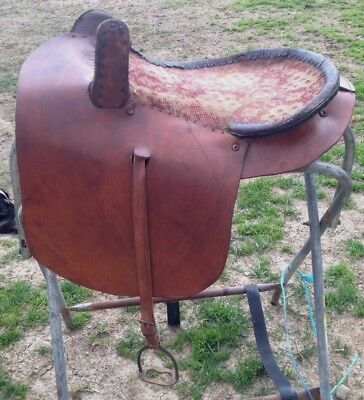 Used/vintage/antique Western side saddle good condition