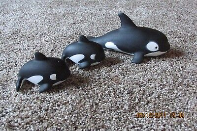 "Whales Orca 1 Mom  2 Babies  ""R"" China Play or Bath-time Set of 3 Whales"