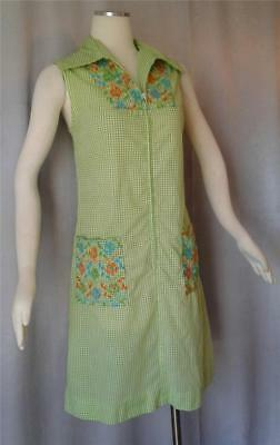 Embroidered GREEN GINGHAM Vintage 1960s MOD COTTON ZIPFRONT SUN DRESS - LRG