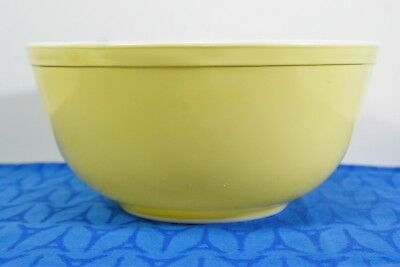 Pyrex Ovenware Yellow 403 Mixing Bowl 2 1/2 quart Made in U.S.A.  VGC
