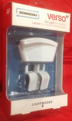 Verso - Arc Light -  for eReader, Kindle, Sony,  Touch, Nook - WHITE -LIGHTWEDGE