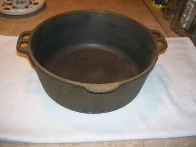 Antique Vintage Kitchen Cast Iron 5 Quart Dutch Oven