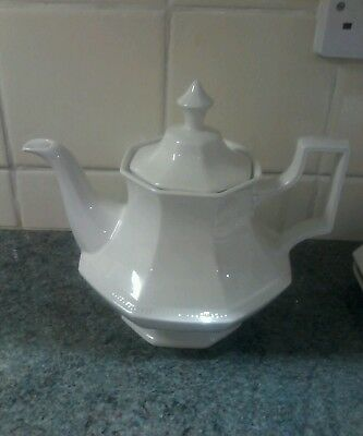 Johnson Brothers Classic Heritage Teapot Perfect