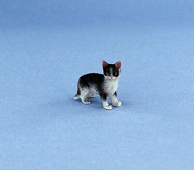 Adorable 1:12 Scale Dollhouse Miniature Standing Cat #IM65488