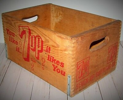 Vintage 7-UP Wooden Crate You Like It It Likes You Seven-Up Bottling Co