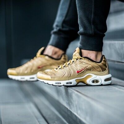 the latest d4ffd 2262d NIKE AIR MAX Plus QS Sneakers Metallic Gold Size 7 8 9 10 11 12 Mens Shoes  New