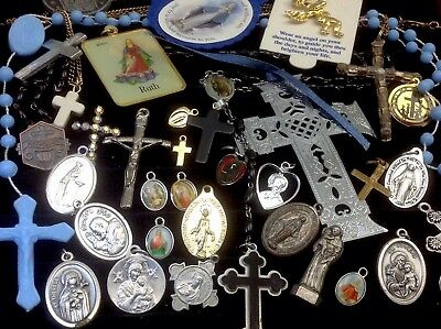 Lot Of Vintage~Now Catholic/religious Rosaries, Crucifixes, Medals...   (E37)