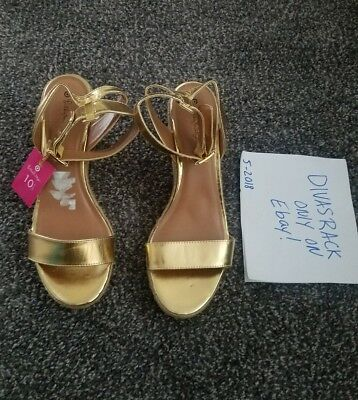 a484cf1650e Lilly Pulitzer For Target Gold Wedge Woven Heel Sandals Size 10.5 NWT 💟