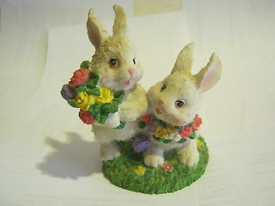 White Loving Rabbits With Flowers Figurine, Resin (005-2)