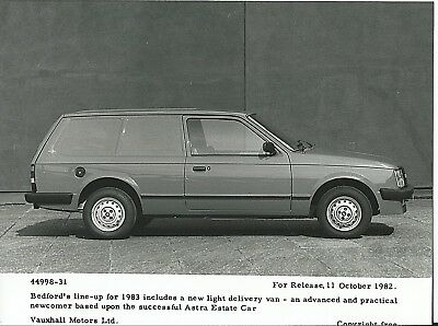 Bedford Vauxhall Astra Light Weight Delivery Van Original 1982 Press Photograph