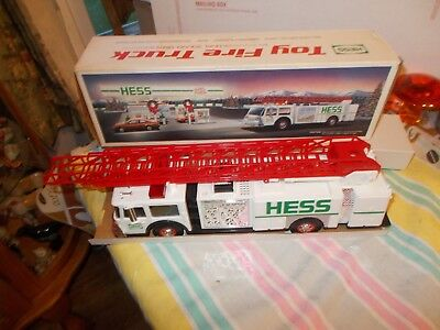 1989 Hess Toy Fire Truck w/ Siren MINT NEW IN BOX  FREE  SHIPPING  U.S.A.