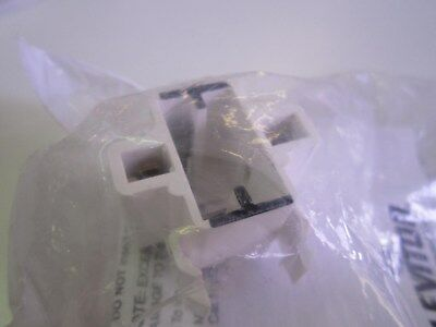 LEVITON 26720-100 AWG 18 Compact Fluorescent Lamp Holder Snap In NEW