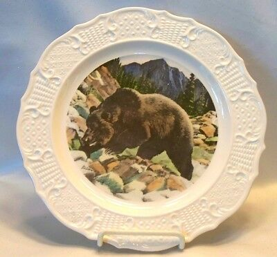 Nice House of Seagram Paul Branson Hand Colored Grizzly Bear Collector Plate