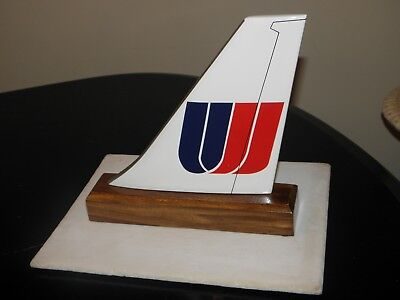 UNITED AIRLINE 80's WOOD DESK MODEL AIRPLANE TAIL UAL CONTINENTAL PILOT GIFT NEW