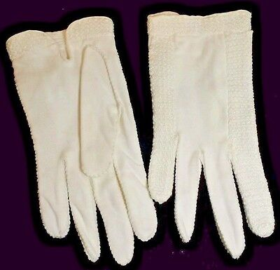 Ladies Ivory Gloves mid century Knotted accents Vintage Size 7 seam Tear