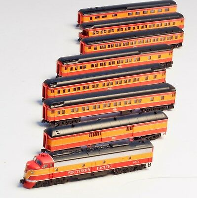 AZL Z-scale Southern Pacific SP E8A Loco & 7 heavyweight passenger cars
