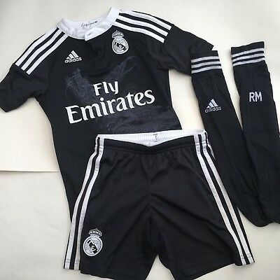 reputable site 33ee2 f2324 AGE 7-8 BOYS adidas REAL MADRID Black Dragon Kit
