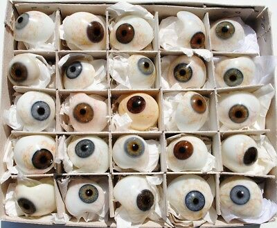 25 vintage human prosthetic glass eyes, Germany