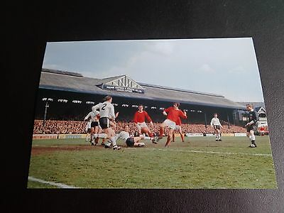 """MANCHESTER UNITED at FULHAM Geroge Best + George Cohen etc  6""""x4"""" PHOTO REPRINT"""