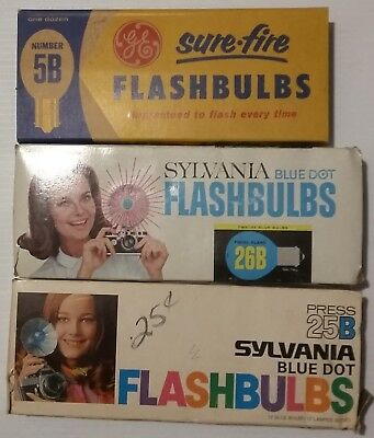 Vintage Flash Bulbs & Cubes Lot Sylvania GE Atlas see note for Quantity