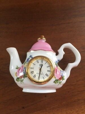 "ROYAL ALBERT Porzellan-Uhr ""LADY CARLISLE"" - FINE CHINA"