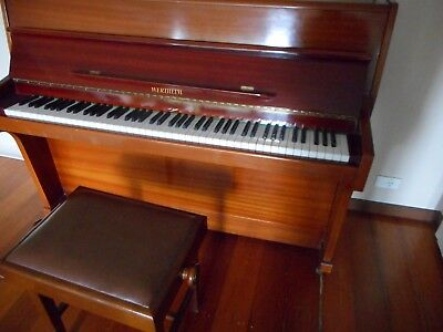 piano werthiem with stool pretty tidy has a good tone suit student
