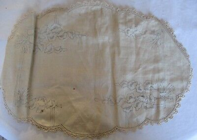 Linen D'oiley With Blossoms To Embroider
