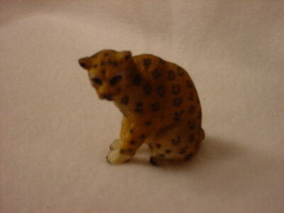 LEOPARD cat animal TiNY FIGURINE Resin MINIATURE Mini Safari Zoo COLLECTIBLE New