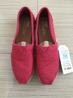 1ed4fb79af3 TOMS Womens Fuschia Freetown Classic Perforated Espadrille Slip On Shoes Sz  7.5