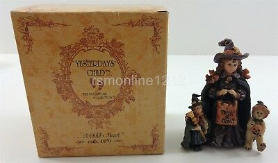 """Boyds Yesterday's Child Dollstone #3517 """"Mallory w Patsy and JB Trick or Treat"""""""