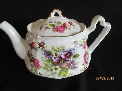 Vintage Arthur Wood Teapot, purple pansy flowery design great condition
