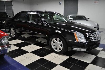 2006 Cadillac DeVille DTS - LOW MILES - CARFAX CERT - SHOWROOM!! FLORIDA GARAGE KEPT - CERTIFIED CARFAX - DESIRABLE COLORS - GORGEOUS!!
