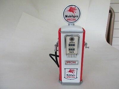 Mobilgas Gas Pump Bank by Gearbox