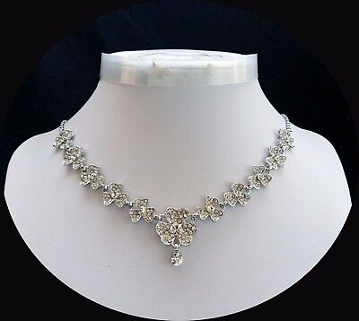 Elegant Flower Necklace With Stunning Clear Crystals Party Jewelry N3166