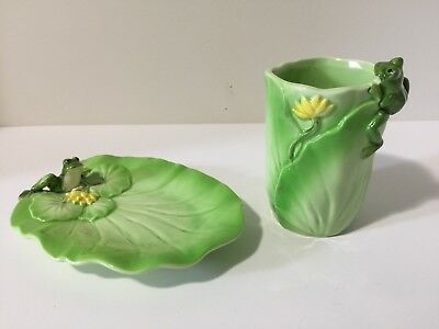 Vintage Fred Roberts Co. Toothbrush Holder & Soap Dish Frog On Lily Pad