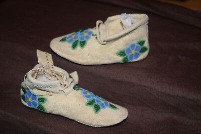 Lovely Shoshone Indian Floral Beaded Baby Moccasins Native American B. Tidzwrap