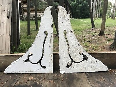 Pair Antique Architectural Salvage Victorian Wood Flower Chippy White Corbels