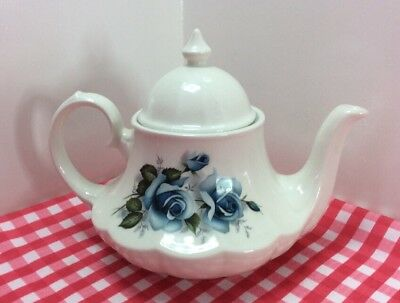 Beautiful Vintage Sadler Teapot With Blue Roses