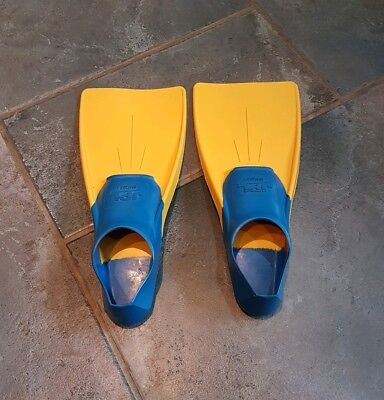 Childrens Swimming Flippers - JPL Size 8.5 - 11 - rubber long floating swim fins