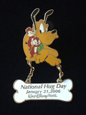 Disney WDW - National Hug Day 2006 Pluto with Chip and Dale Pin LE 1500