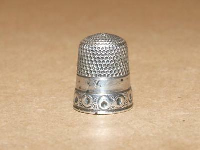 Vintage Antique Sterling Silver Thimble With Crest Hallmark 3.4 grams