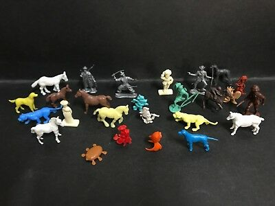 CEREAL TOY LOT OF 26 MIXED FROM 1960's/70's