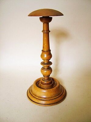 19th C. VERY 'PRETTY' SMALL TURNED WOOD HAT OR BARRISTERS WIG STAND. TREEN