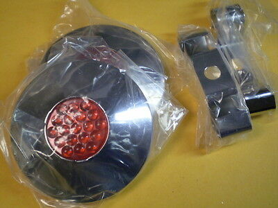 2 Only Vintage Collectable Schwinn Approved Bicycle Red Reflector Hub Caps