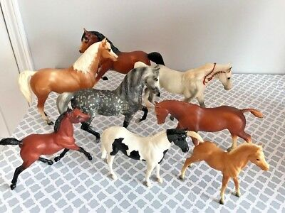 Lot of 8 Breyer traditional classic loose Horse figure toys vintage?