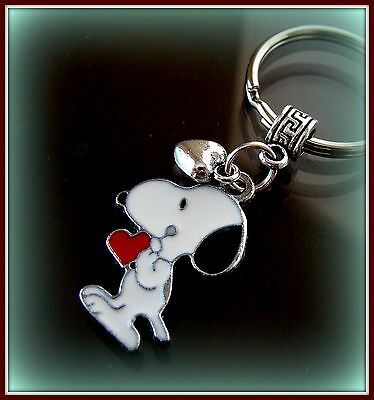 Peanut's SNOOPY and Heart KEYCHAIN Jewelry - Charlie Brown's SNOOPY the Dog