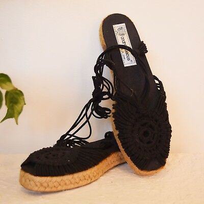 Vtg black + jute MACRAME ankle ties ESPADRILLE made in Spain resort sandals sz 8